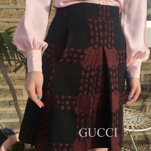Authentic Gucci wool pleated skirt in size 38